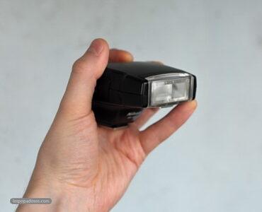 Обзор вспышки Nikon Speedlight SB-400.