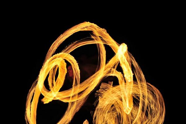Как фотографировать огонь.: http://elims.org.ua/photo/kak-fotografirovat-ogon/